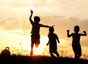 כישורים חברתיים בנים צעירים